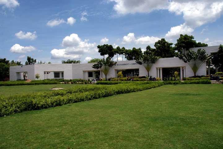 https://cache.careers360.mobi/media/colleges/social-media/media-gallery/8169/2018/8/4/SSN-School-of-Management-Kalavakkam-Campus3.jpg