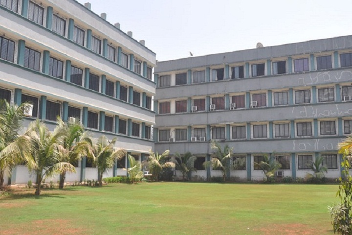 https://cache.careers360.mobi/media/colleges/social-media/media-gallery/8264/2018/11/26/Campus View of Indira Institute of Business Management Navi Mumbai_Campus-View.jpg