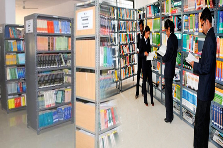 https://cache.careers360.mobi/media/colleges/social-media/media-gallery/8278/2017/12/13/120423-Shreeyash-Institute-of-Management-Aurangabad-(7).jpg