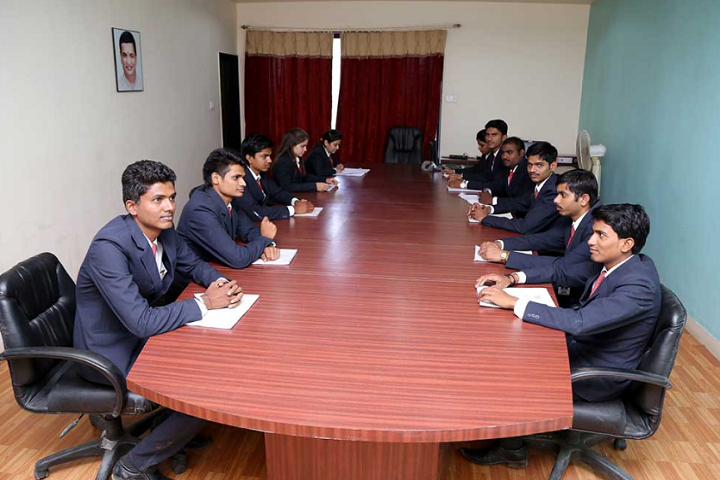 https://cache.careers360.mobi/media/colleges/social-media/media-gallery/8285/2018/11/28/Conference Room of Amrutvahini Institute of Management and Business Administration Sangamner_Others.png