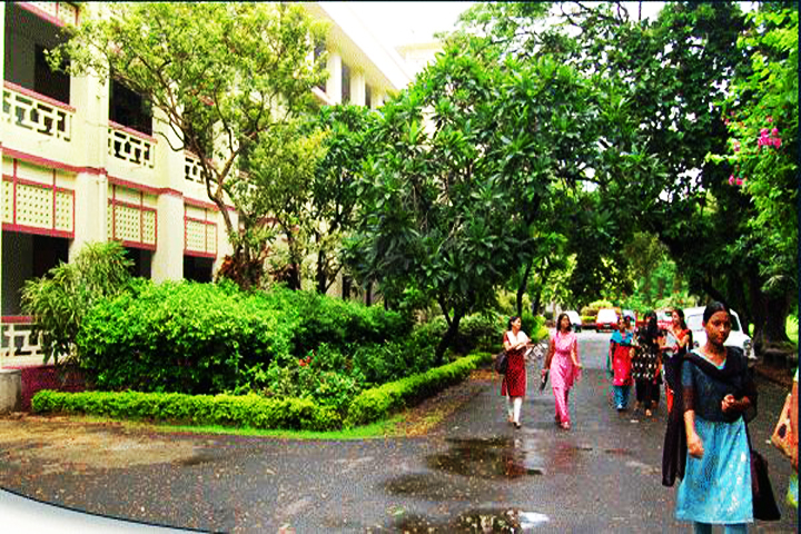https://cache.careers360.mobi/media/colleges/social-media/media-gallery/8336/2018/8/6/Lady-Brabourne-College-Kolkata_Campus-View.JPG