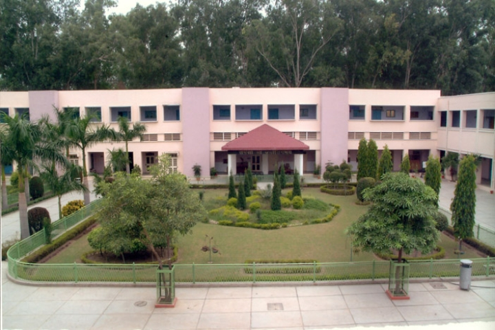 https://cache.careers360.mobi/media/colleges/social-media/media-gallery/8352/2018/8/1/DAV-College-Jalandhar_Campus-View.jpg