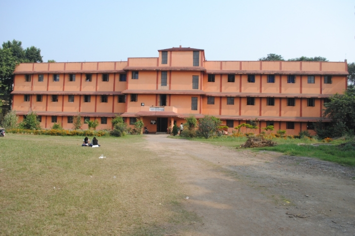 https://cache.careers360.mobi/media/colleges/social-media/media-gallery/8398/2018/8/16/Jamshedpur-Womens-College-Jamshedpur_campus-view2.jpg