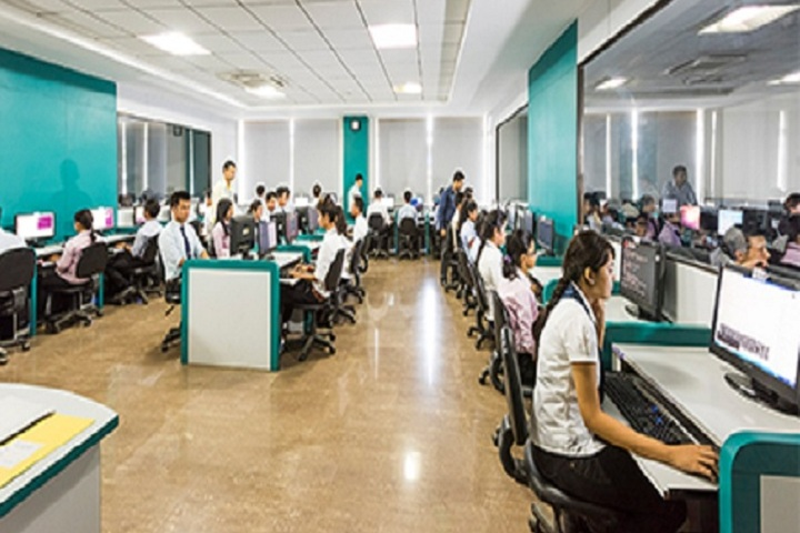 https://cache.careers360.mobi/media/colleges/social-media/media-gallery/8459/2019/2/19/IT lab of Royal School of Commerce Guwahati_IT-lab.jpg