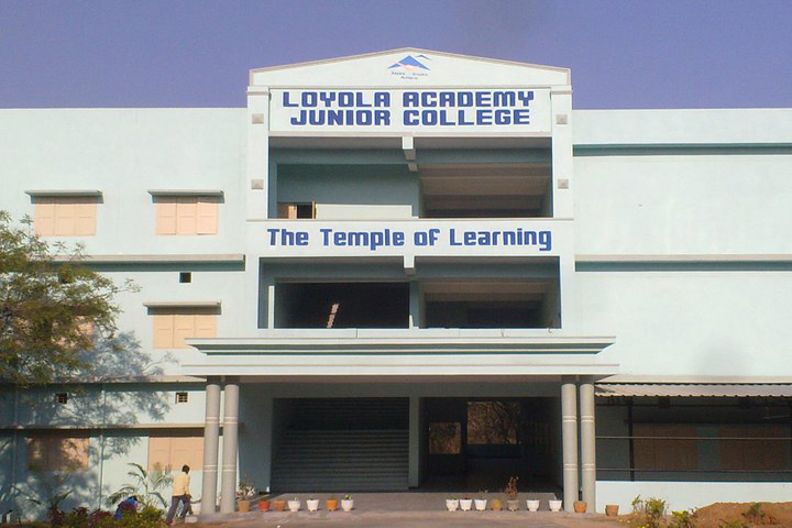 https://cache.careers360.mobi/media/colleges/social-media/media-gallery/8557/2018/8/21/Loyola-Academy-Degree-and-PG-College-Secunderabad-(11).jpg