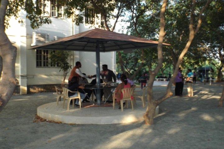 https://cache.careers360.mobi/media/colleges/social-media/media-gallery/8618/2018/8/16/St-Josephs-Institute-of-Management-Tiruchirapalli-c4.jpg