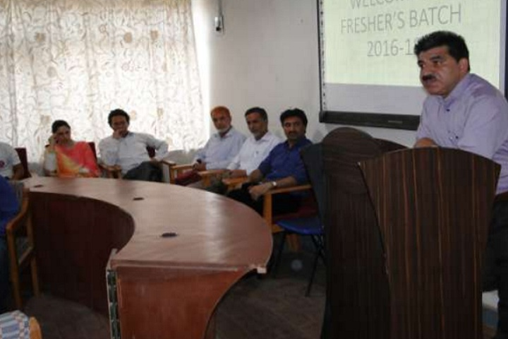 https://cache.careers360.mobi/media/colleges/social-media/media-gallery/8648/2020/7/6/Freshers Orientation Programme of Islamia College of Science and Commerce Srinagar_Events.jpg