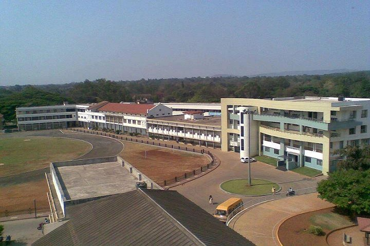 https://cache.careers360.mobi/media/colleges/social-media/media-gallery/8659/2019/3/8/Campus View of KLE Society College of Bachelor of Computer Application Belgaum_Campus-View.jpg