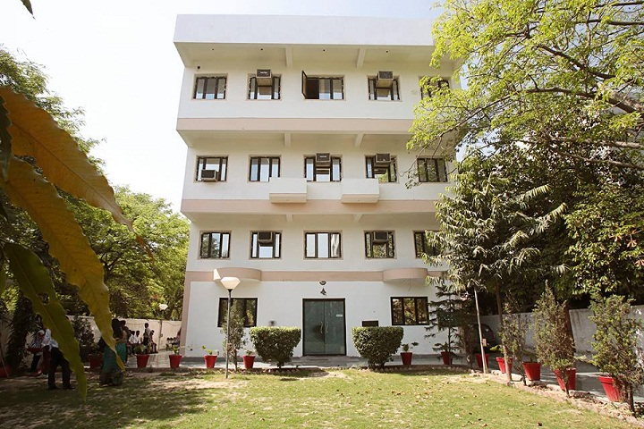 https://cache.careers360.mobi/media/colleges/social-media/media-gallery/8762/2018/12/14/Campus View of Indraprastha Institute of Information Technology and Management New Delhi_Campus-View.jpg