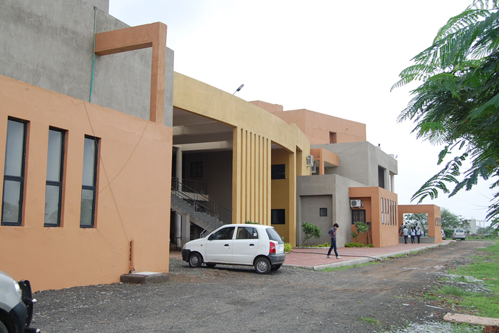 https://cache.careers360.mobi/media/colleges/social-media/media-gallery/8797/2019/3/28/Campus view of Acropolis Institute of Pharmaceutical Education and Research Indore_Campus-View.JPG