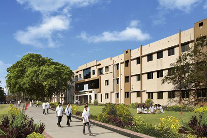 https://cache.careers360.mobi/media/colleges/social-media/media-gallery/8817/2019/3/29/Campus view of BLDE Association College of Pharmacy Bijapur_Campus-View.jpg
