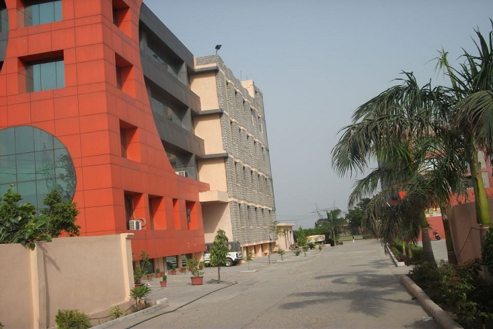 https://cache.careers360.mobi/media/colleges/social-media/media-gallery/8835/2018/12/5/Campus View of HLM Law College Ghaziabad_Campus-View.jpg