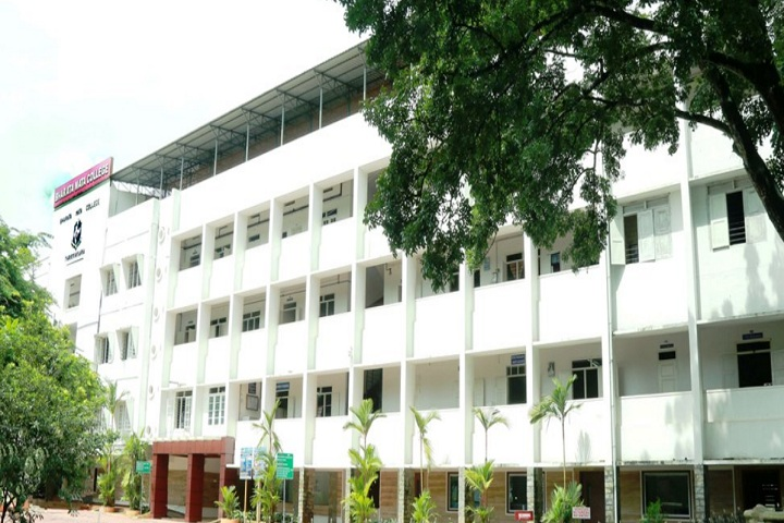 https://cache.careers360.mobi/media/colleges/social-media/media-gallery/8836/2019/4/9/College of Bharata Mata College Kochi_Campus-View.jpg