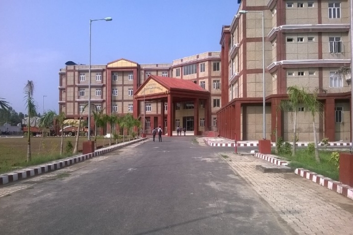 https://cache.careers360.mobi/media/colleges/social-media/media-gallery/8839/2019/4/11/Complete campus view of Rajkiya Engineering College Bijnor_Campus-view.jpg
