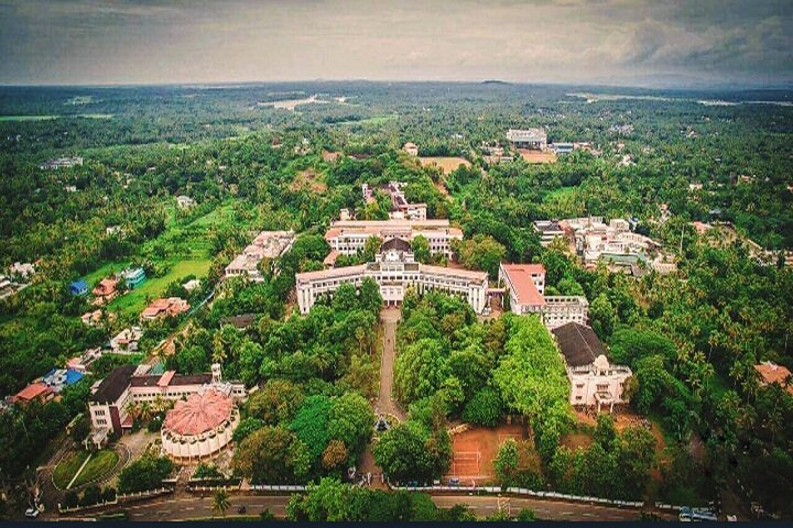 https://cache.careers360.mobi/media/colleges/social-media/media-gallery/8840/2018/7/18/Christ-College-of-Engineering-Thrissur-campus-view.jpg