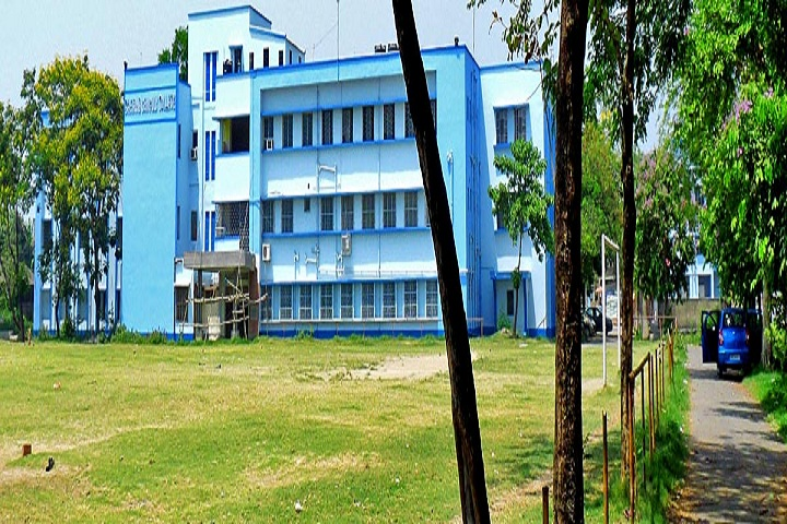 https://cache.careers360.mobi/media/colleges/social-media/media-gallery/8853/2018/12/29/College View of Bhairab Ganguly College Kolkata_Campus-View.jpg