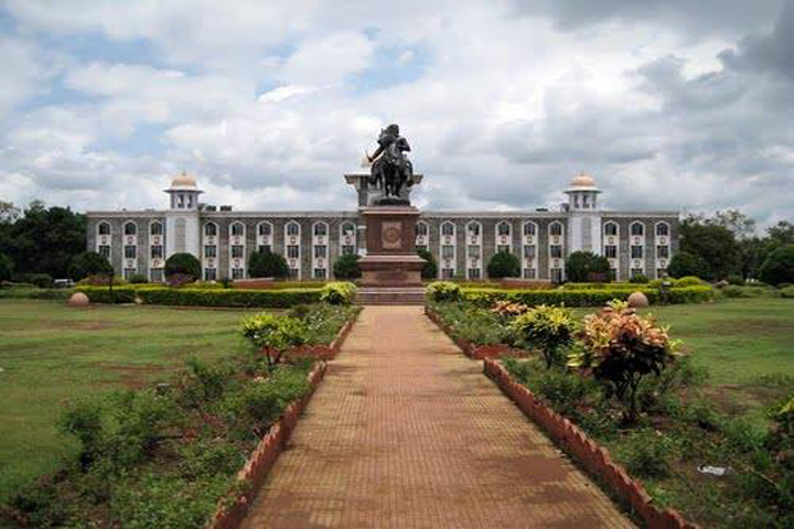 https://cache.careers360.mobi/media/colleges/social-media/media-gallery/8988/2019/1/3/Campus View of Yashwantrao Chavan School of Rural Development, Shivaji University Kolhapur_Campus-View.jpg