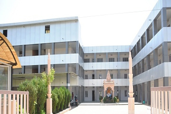 https://cache.careers360.mobi/media/colleges/social-media/media-gallery/9015/2019/3/5/College Building Of Pharmacy College Rampura Kakanpur_Campus-View.jpg