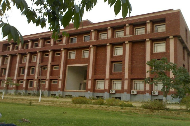 https://cache.careers360.mobi/media/colleges/social-media/media-gallery/9030/2019/4/3/Campus View of Institute of Engineering and Technology Sitapur_Campus-View.jpg