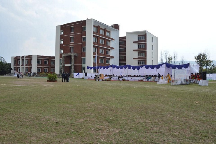 https://cache.careers360.mobi/media/colleges/social-media/media-gallery/9035/2018/10/22/Campus View of Sardar Bhagwan Singh Post Graduate Institute of Biomedical Sciences and Research Dehradun_Campus-View.jpg