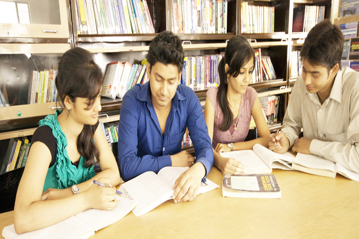 https://cache.careers360.mobi/media/colleges/social-media/media-gallery/9046/2019/3/6/Library of Regional College of Pharmacy Jaipur_Library.jpg