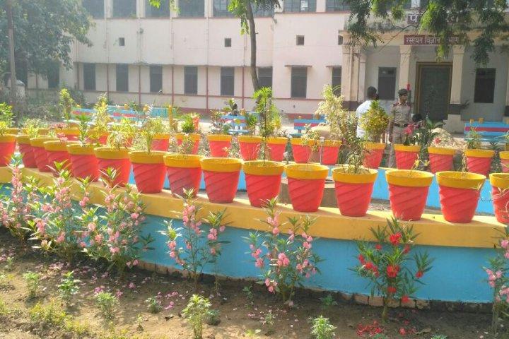 https://cache.careers360.mobi/media/colleges/social-media/media-gallery/905/2017/12/13/Deen-Dayal-Upadhyaya-Gorakhpur-University-Gorakhpur6.jpeg
