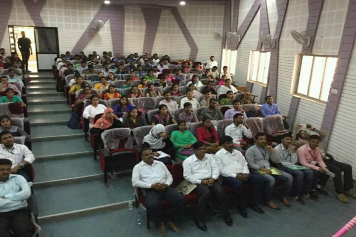 https://cache.careers360.mobi/media/colleges/social-media/media-gallery/911/2018/1/3/Karnataka-University-Dharwad7.jpg