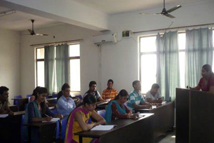 https://cache.careers360.mobi/media/colleges/social-media/media-gallery/9166/2018/12/20/Class room of Jagmohan Institute of Management and Technology Bagpat_Classroom.JPG