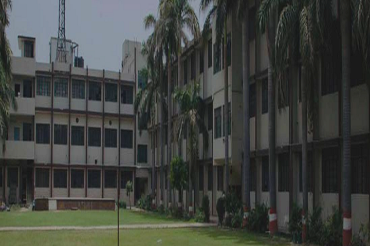 https://cache.careers360.mobi/media/colleges/social-media/media-gallery/9284/2020/7/30/Campus View of Ram Chameli Chadha Vishvas Girls PG College Ghaziabad_Campus-View.png