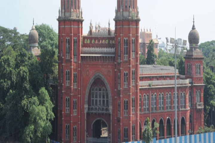 https://cache.careers360.mobi/media/colleges/social-media/media-gallery/9329/2019/4/23/Campus-View of Dr Ambedkar Government Law College Chennai_Campus-view.jpg