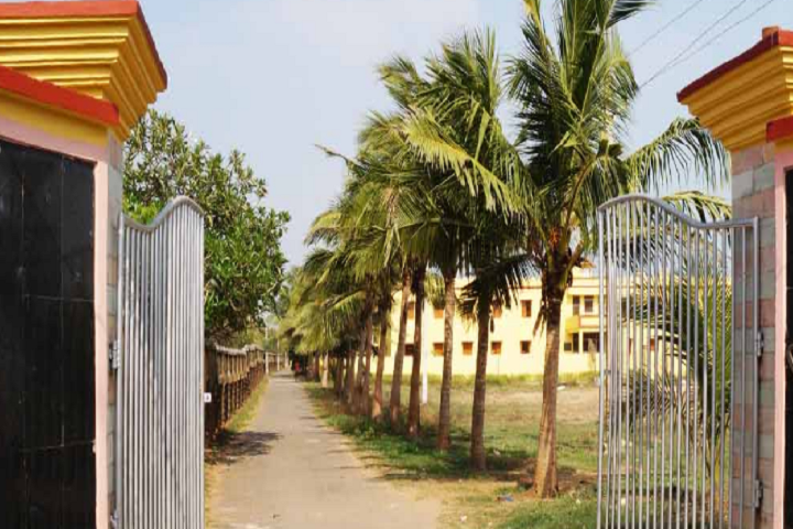 https://cache.careers360.mobi/media/colleges/social-media/media-gallery/9335/2018/12/3/Campus Entrance gate view of Gangadhar Mohapatra Law College Puri_Campus-view.png