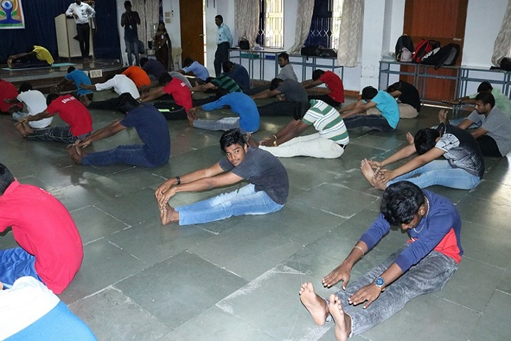 https://cache.careers360.mobi/media/colleges/social-media/media-gallery/9349/2021/3/19/Yoga of SRM Arts and Science College Kanchipuram_Others.jpg