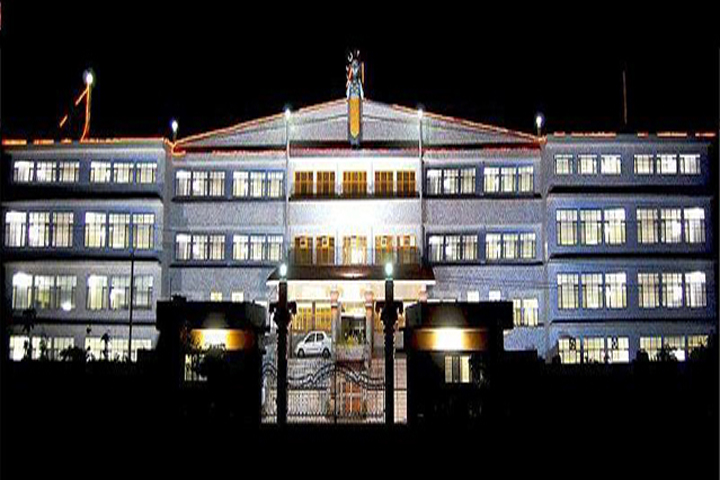 https://cache.careers360.mobi/media/colleges/social-media/media-gallery/9363/2019/3/14/Front view of Siddhi Vinayak College of Science and Higher Education Alwar_Campus-view.jpg