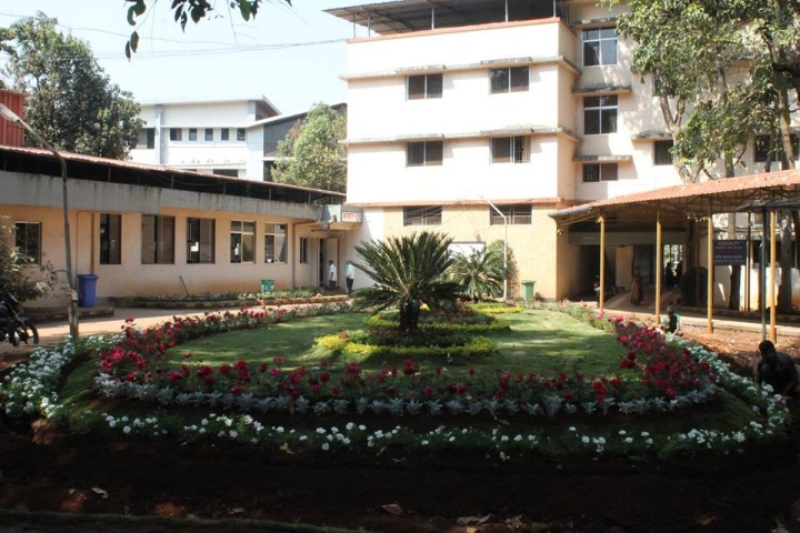 https://cache.careers360.mobi/media/colleges/social-media/media-gallery/9388/2017/10/30/BKL-Walawalkar-Rural-Medical-College-Ratnagiri-14.jpg
