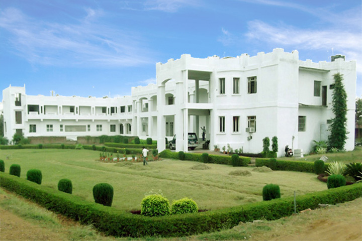 https://cache.careers360.mobi/media/colleges/social-media/media-gallery/9442/2019/5/4/Campus-View of Mahatma Gandhi College of Law Gwalior_Campus-View.jpg