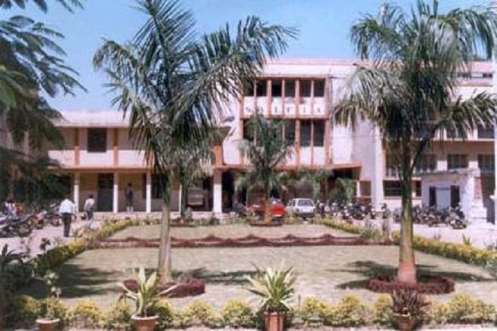 https://cache.careers360.mobi/media/colleges/social-media/media-gallery/9484/2018/12/28/Campus front view of Saifia College of Law Bhopal_Campus-view.JPG