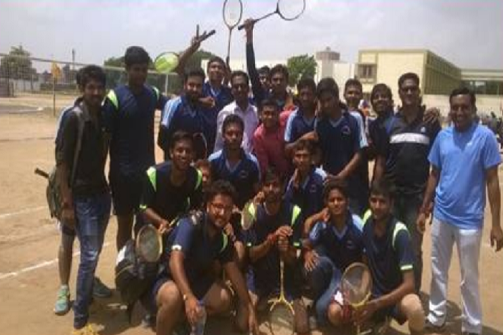 https://cache.careers360.mobi/media/colleges/social-media/media-gallery/9498/2018/12/11/Sports of Sheth VS Law College Unjha_Sports.png