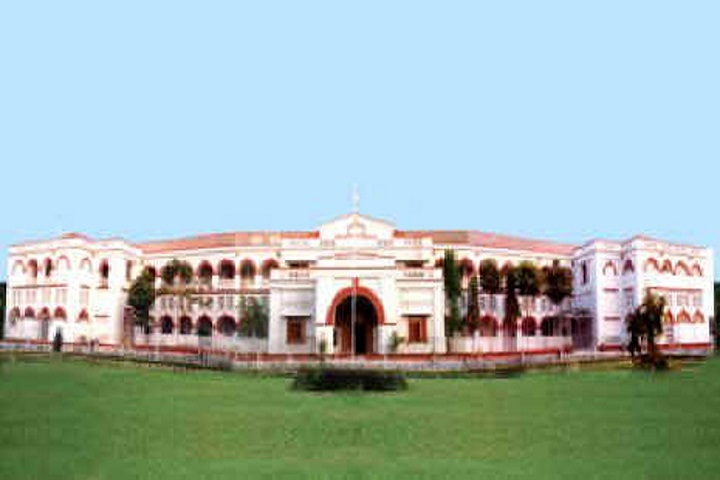 https://cache.careers360.mobi/media/colleges/social-media/media-gallery/950/2019/7/16/Campus of Atal Bihari Vajpayee Vishwavidyalaya Bilaspur_Campus-View.jpg