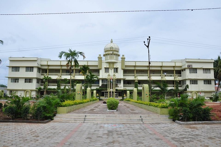 https://cache.careers360.mobi/media/colleges/social-media/media-gallery/9528/2018/11/29/College Building View of The Central Law College Salem_Campus-View.jpg
