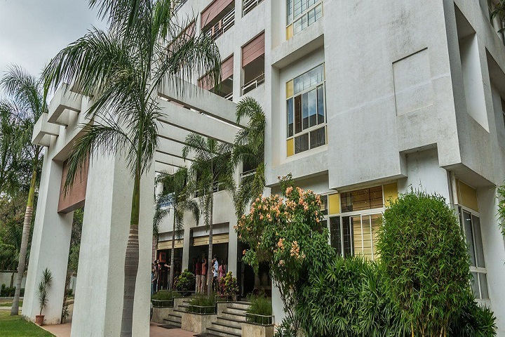https://cache.careers360.mobi/media/colleges/social-media/media-gallery/9738/2018/12/10/College Building View of SB Group of institutions Bangalore_Campus-View.jpg