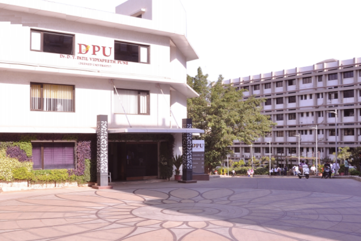 https://cache.careers360.mobi/media/colleges/social-media/media-gallery/974/2018/11/1/Building View of Dr DY Patil Vidyapeeth Pune_Campus-View.png