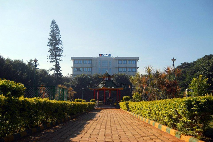 https://cache.careers360.mobi/media/colleges/social-media/media-gallery/9746/2019/4/18/College View of Community Institute of Management Studies Bangalore_Campus View.jpg