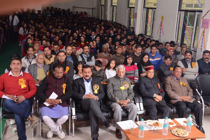 https://cache.careers360.mobi/media/colleges/social-media/media-gallery/9757/2018/11/29/Seminar Hall View of Gautam Institute of Management and Technology Hamirpur_Auditorium.jpg
