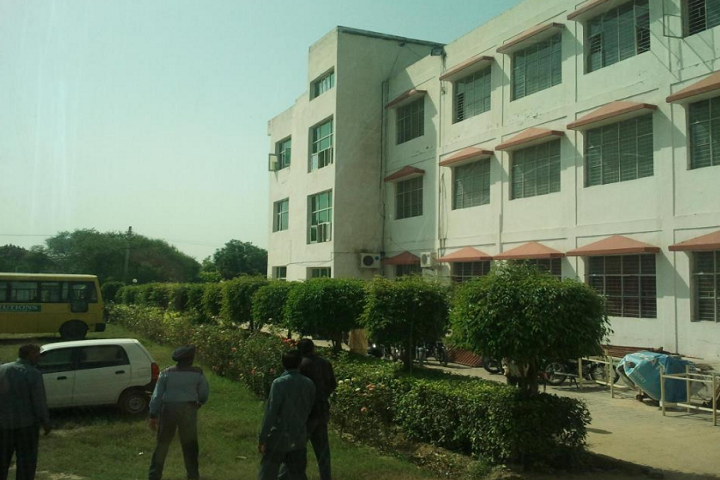 https://cache.careers360.mobi/media/colleges/social-media/media-gallery/9767/2019/4/10/College Building View of Budha College of Management Karnal_Campus-View.png