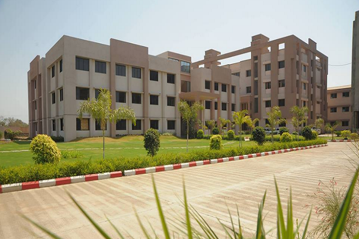 https://cache.careers360.mobi/media/colleges/social-media/media-gallery/9789/2018/12/3/Campus View of SS Agrawal Institute of Management and Technology Navsari_Campus-View.png