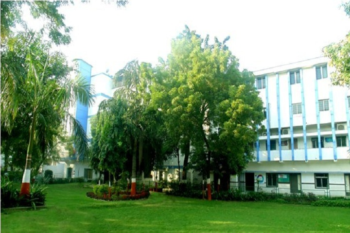 https://cache.careers360.mobi/media/colleges/social-media/media-gallery/9808/2018/11/27/Campus-View of RB Institute of Management Studies Ahmedabad_Campus-View.jpg
