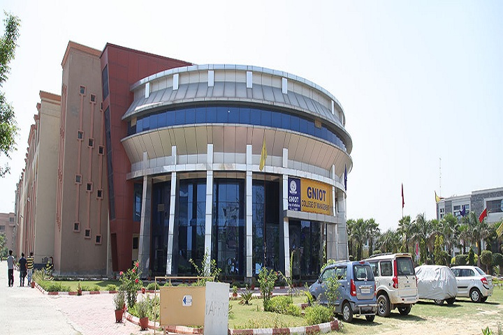https://cache.careers360.mobi/media/colleges/social-media/media-gallery/9838/2018/11/29/Campus-View of GNIOT College of Management Greater Noida_Campus-View.jpg