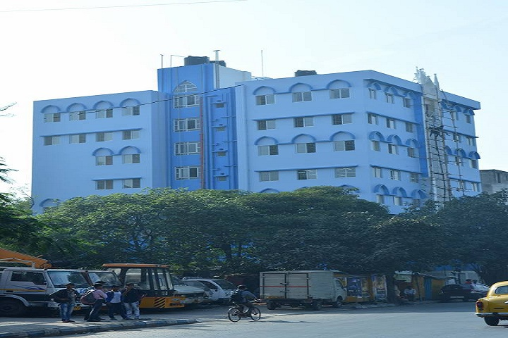 https://cache.careers360.mobi/media/colleges/social-media/media-gallery/9879/2019/5/22/College Building View of South Calcutta Law College Kolkata_Campus-View.jpg