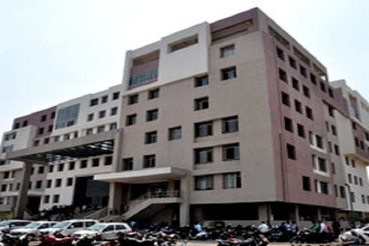https://cache.careers360.mobi/media/colleges/social-media/media-gallery/9931/2018/12/3/Campus View of Dr DY Patil Arts Commerce and Science College Pune_Campus-View.jpg