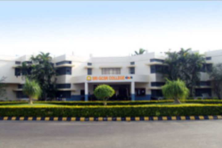 https://cache.careers360.mobi/media/colleges/social-media/media-gallery/9938/2018/10/26/Campus View of Sri GCSR College Rajam_Campus-View.JPG